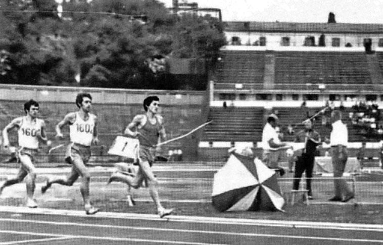 Cătălin Andreica, aici în spate, într-o cursă condusă de Ilie Floroiu