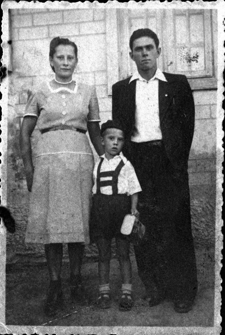 Ivan Patzaichin, puști, ocrotit de părinții săi / Fotografii: arhiva personală Ivan Patzaichin