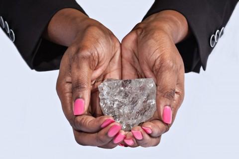 S-a descoperit un diamant de 1.111 carate