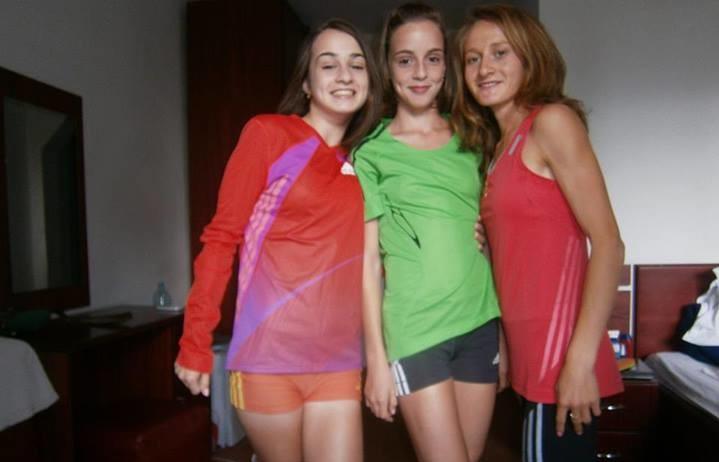 Liliana Danci, alături de două dintre colegele sale, Loredana și Nicoleta Cimpoieru