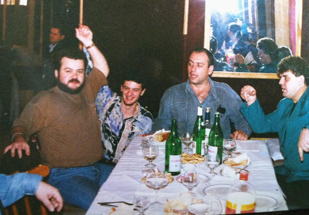Dragoș Moștenescu, mai tânăr // fotografii: colecția personală, facebook