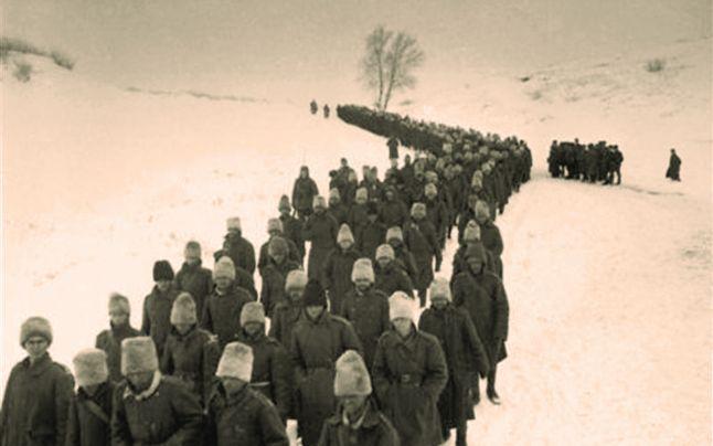Prizonieri români, spre lagări